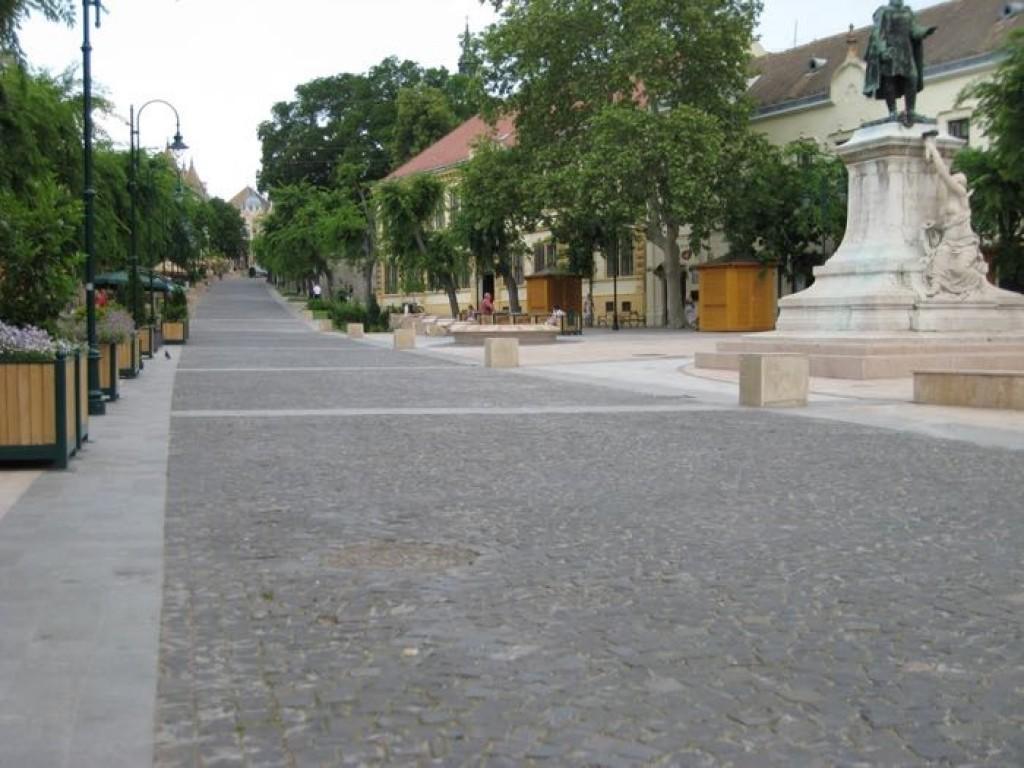 Garay tér, Szekszárd