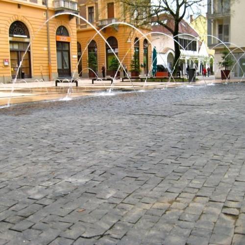 Halköz, Debrecen