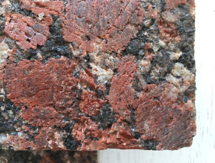 Rosso Santiago - Aqua-Stone felület