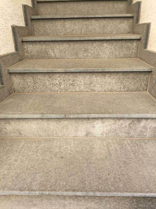 kültéri lépcső burkolat
